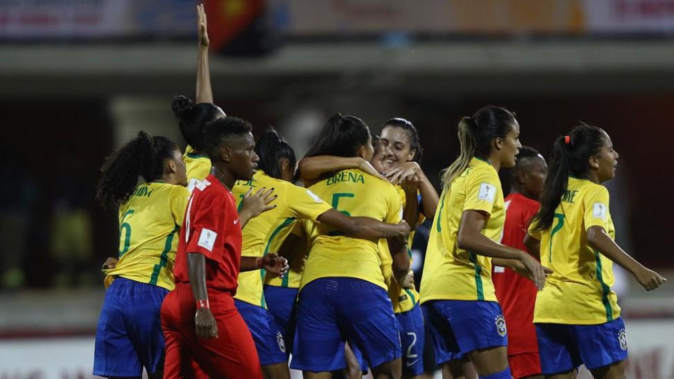 A Seleção Brasileira de futebol feminino não deu chances para a Papua Nova  Guiné 1e1133f71c494