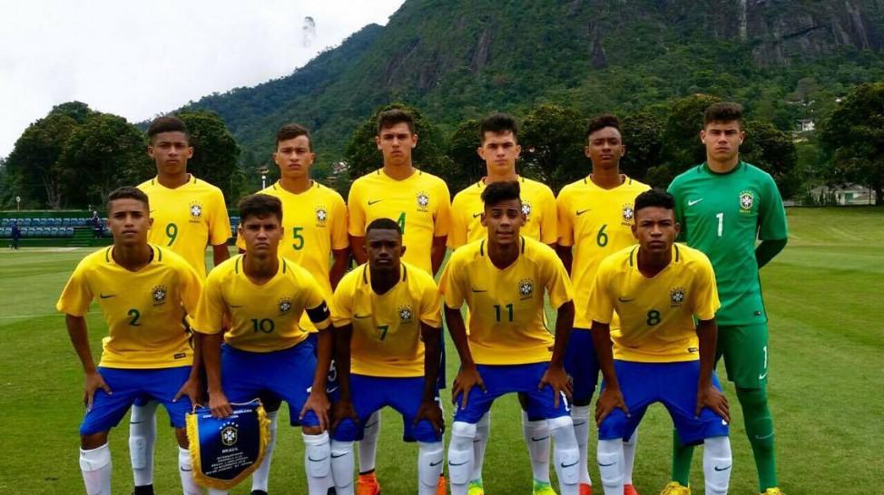 VÍDEO  Seleção Sub-17 perde da Inglaterra em amistoso de sete gols 1122ee88bc4e7