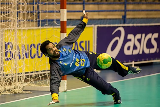 fe1f11179de6e A Seleção Brasileira de handebol masculino passou pelo primeiro desafio na  Yellow Cup