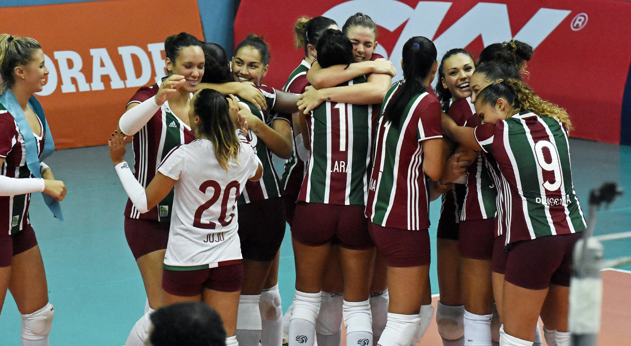 Superliga  Fluminense vence Bauru 235fe7cee50a8