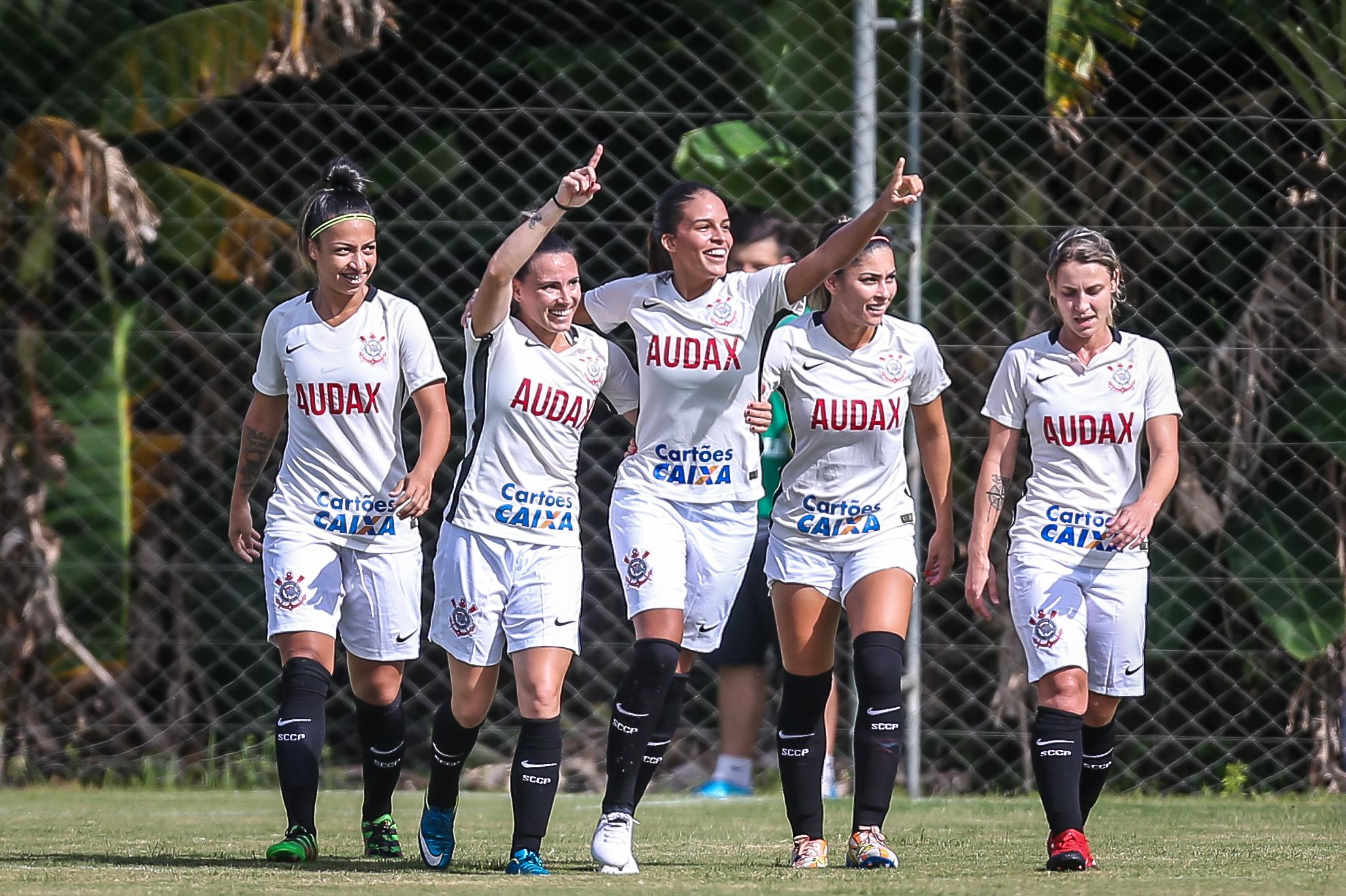 A terceira rodada do Campeonato Brasileiro de futebol feminino teve sete  jogos neste domingo. Pelo Grupo 1 fac2715c91afc
