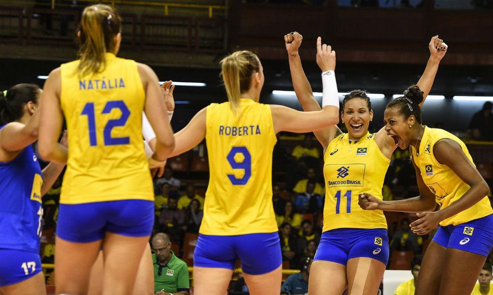 A seleção brasileira feminina de vôlei começou com vitória a última fase de  preparação para o Grand Prix. Nesta terça-feira (27.06) 6408b98ff9200