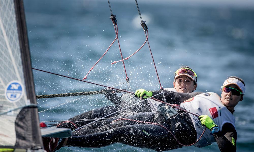 Martine Grael e Kahena Kunze garantem ouro na Copa do Mundo