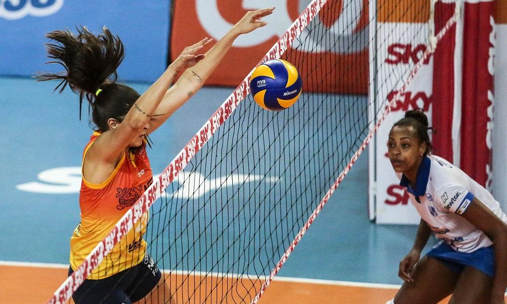 Praia Clube X Osasco - Superliga feminina de vôlei