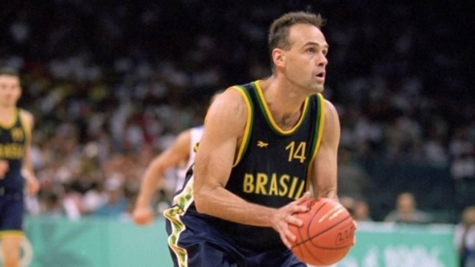 Um dos maiores atletas do Brasil, Oscar Schmidt será atração das galerias da CBB do eMuseu do Esporte eMuseu do Esporte; CBCa, CBTM também terão espaços
