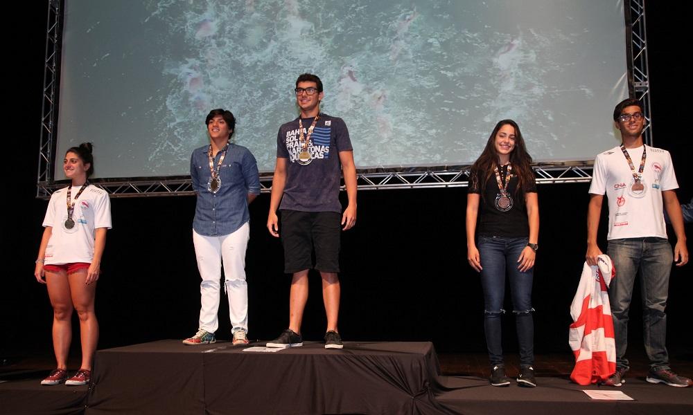 Ana Marcela Cunha ganha destaque em premiação de campeonatos santistas