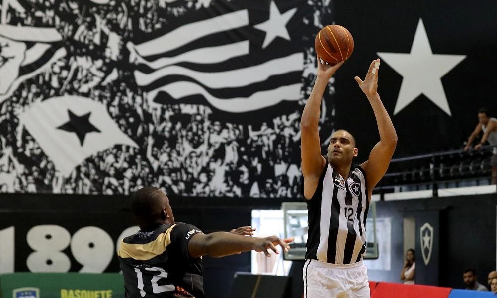 De virada, Botafogo supera Campo Mourão em casa