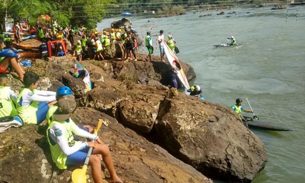 2ª divisão do Brasileiro de canoagem slalom leva cerca de 80 atletas a Piraju