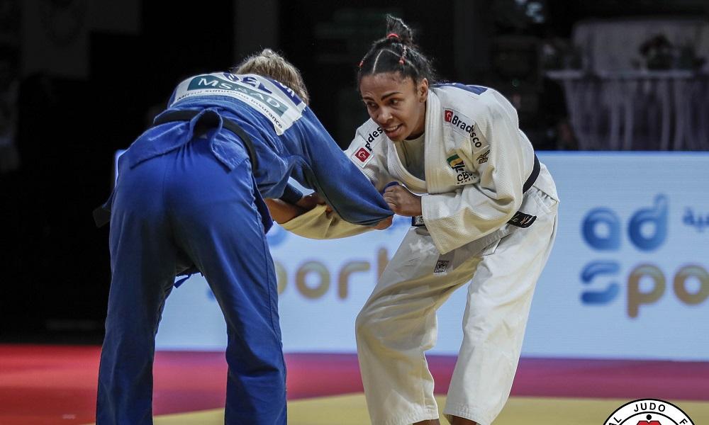 Com Érika Miranda, Brasil conquista bronze no 1º dia do Masters