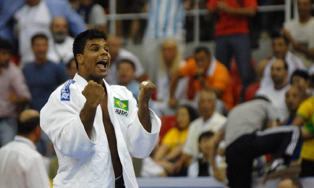 Campeão mundial Luciano Corrêa anuncia aposentadoria