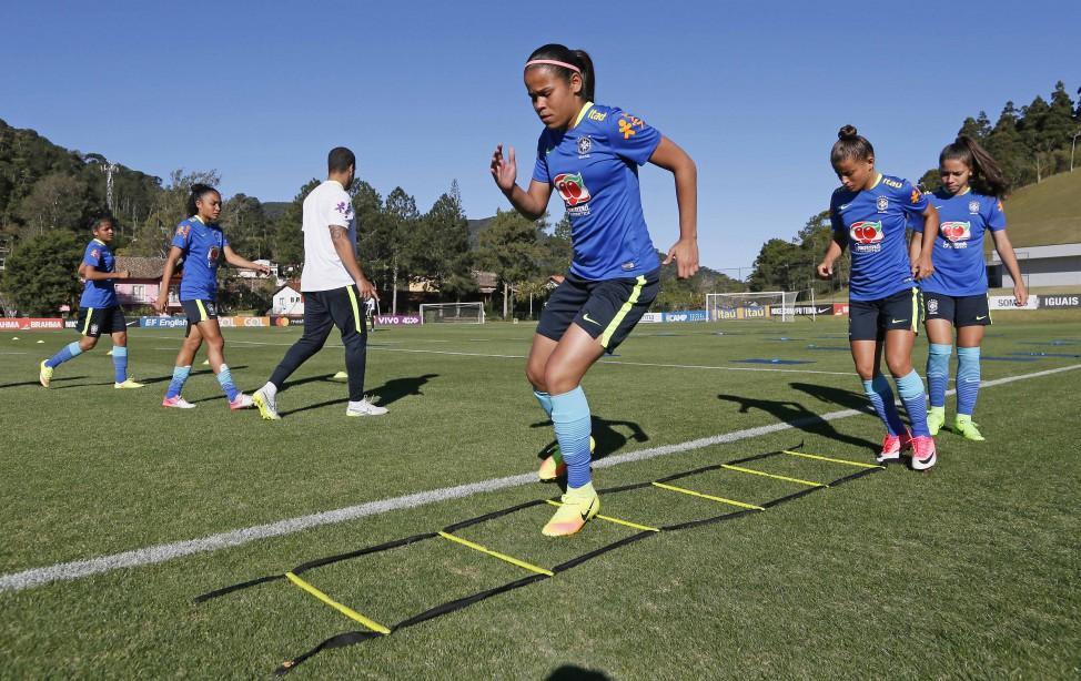 A Seleção Brasileira Sub-20 de futebol feminino voltou nesta quarta-feira  (13) dos Estados Unidos b0540697fb45d