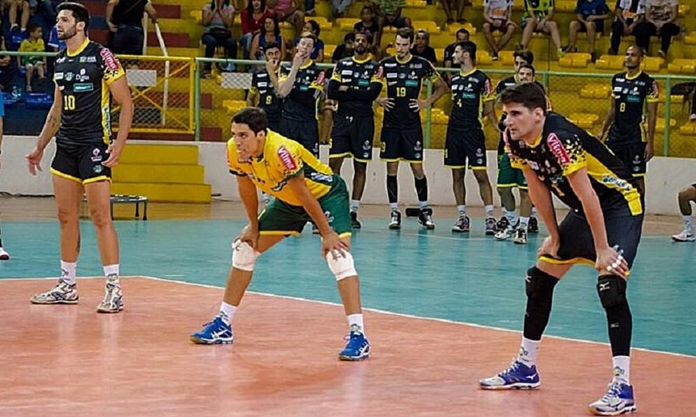 Após duas temporadas no exterior, líbero Alan volta ao Brasil