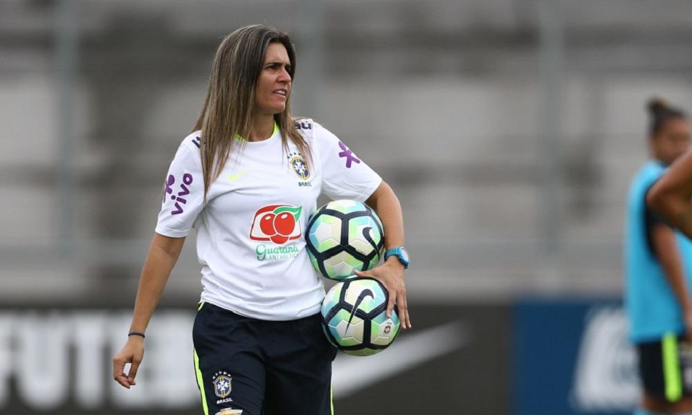 Emily está em Santos e anúncio oficial deve acontecer em breve