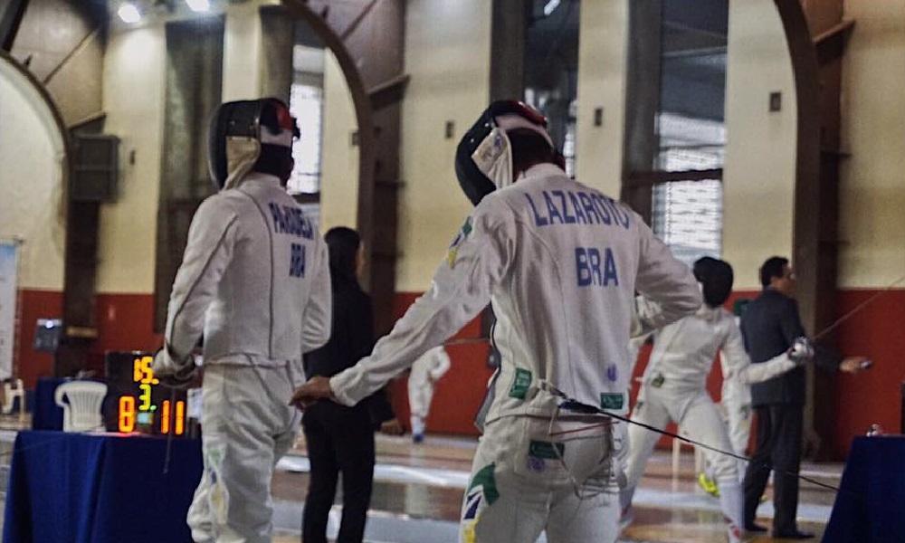 Alexandre Camargo avança na Copa do Mundo de Espada