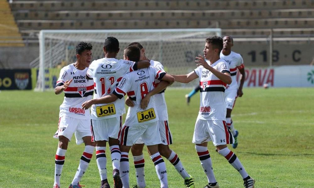 São Paulo vence o Vitória nos pênaltis e vai à semi da Copinha db88866d29f18