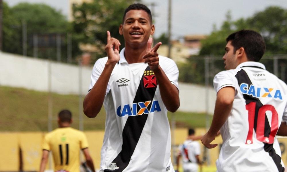 De virada, Vasco vence São Bernardo e avança na Copinha