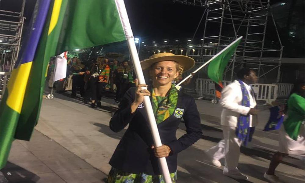 porta-bandeira do Brasil nos Jogos Olímpicos yane marques