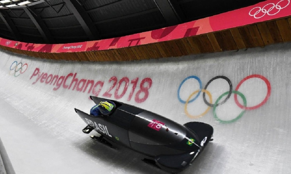 Bobsled se prepara para chegar à bateria final do 4-man