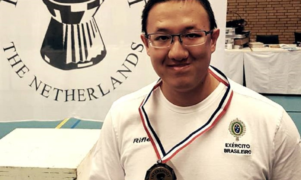 Felipe Wu inicia temporada com medalha de ouro na Holanda