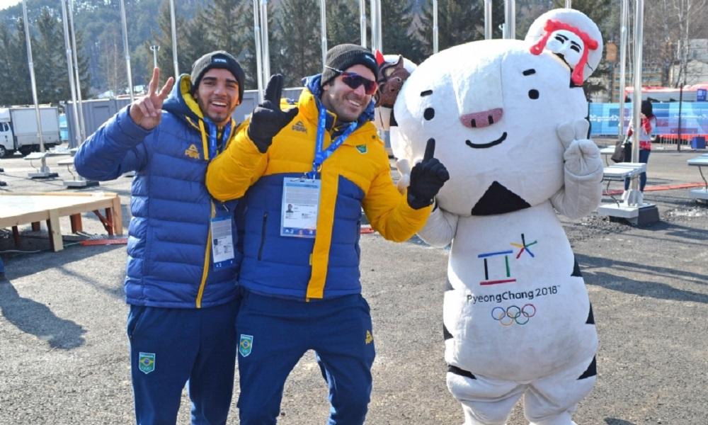 Isabel Clark e Victor Santos chegam à Vila Olímpica de Pyeongchang