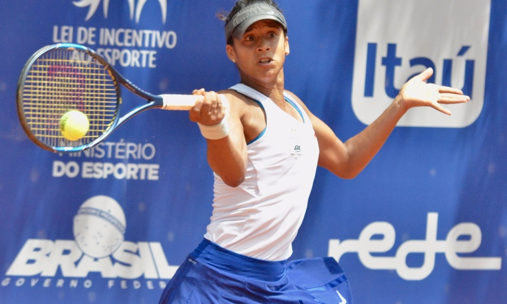 Após sete meses fora, Teliana retorna às quadras em Curitiba