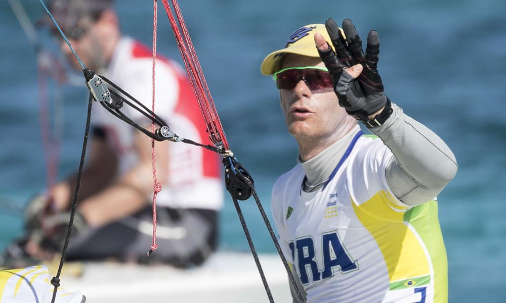 Gripado, Robert Scheidt não compete e termina Mundial em 43º