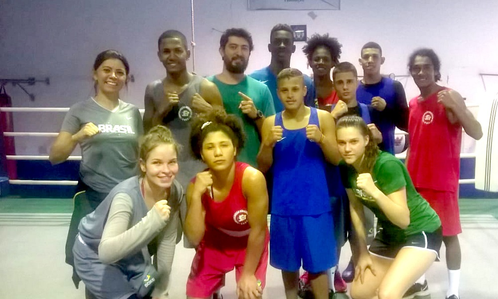Atletas juvenis se preparam no Centro de Treinamento da CBBoxe