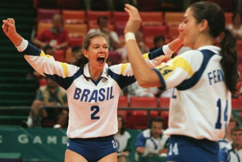 Ana Moser superou uma grave lesão no joelho para ser a líder da Seleção feminina de vôlei na medalha de bronze em Atlanta-1996