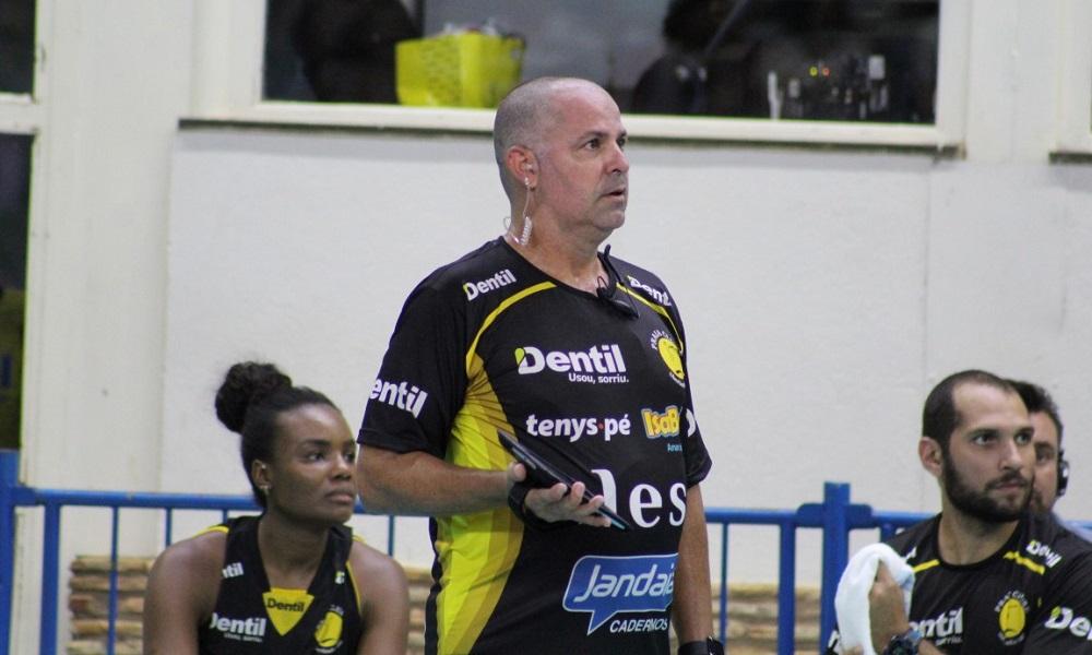 "Após título, Paulo Coco desabafa: ""O Praia veio para ficar"""
