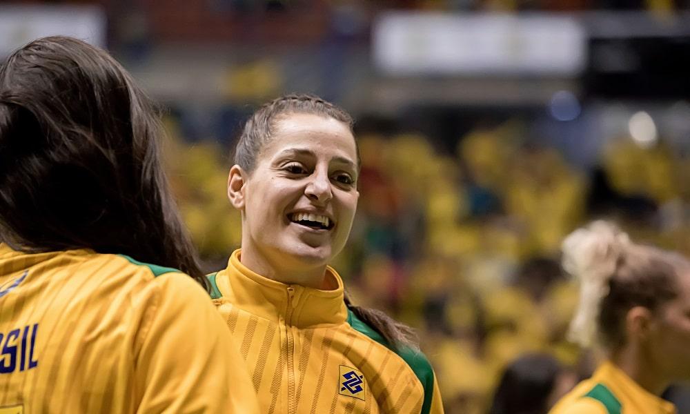Em exatos 365 dias, a vitoriosa seleção feminina de handebol entrará em quadra nos Jogos Olímpicos de Tóquio para buscar a única medalha que lhe falta