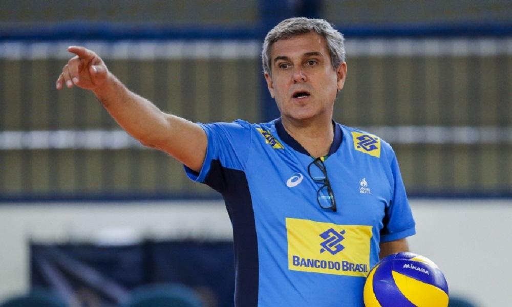 José Roberto Guimarães ainda espera por Fabiana e Fê Garay no Mundial