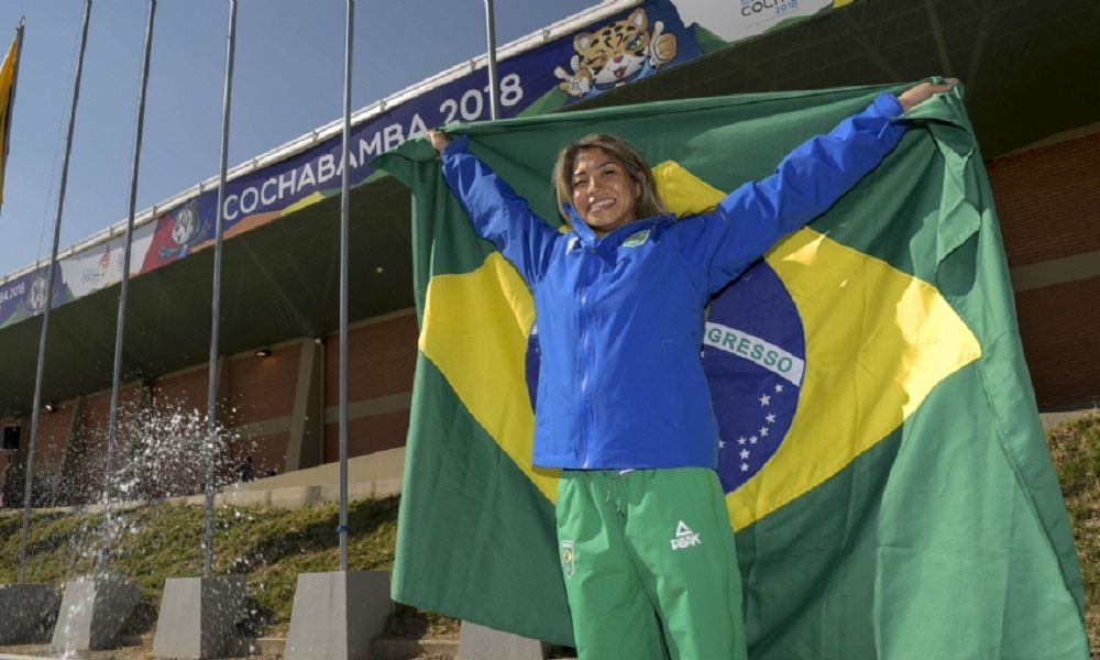 Valéria Kumizaki será porta-bandeira do Brasil no Sul-Americano