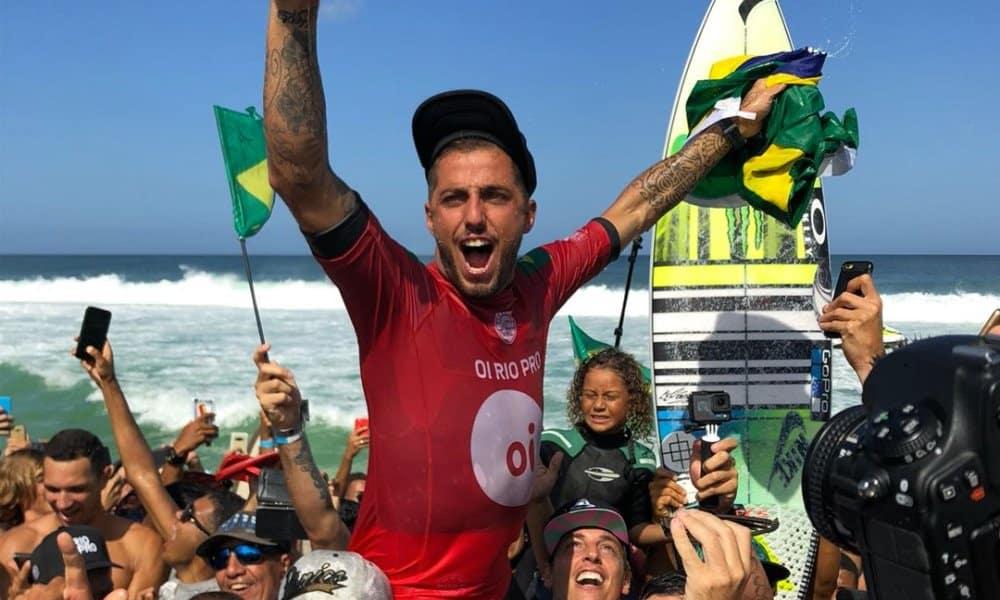 Filipe Toledo - Filipinho - apoia decisão da WSL de adiar etapa de Saquarema