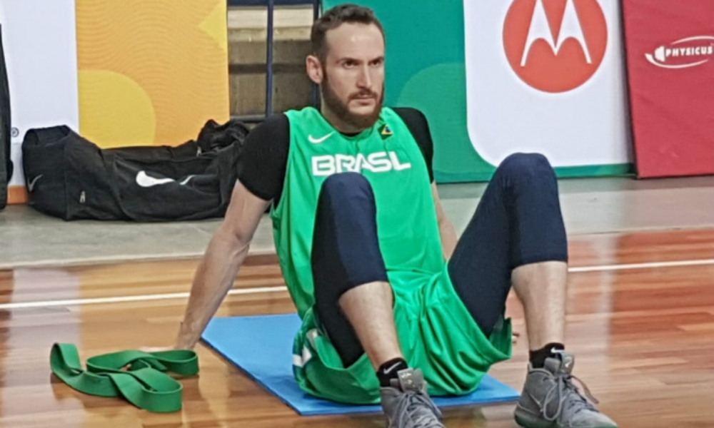 Huertas se apresenta à seleção brasileira
