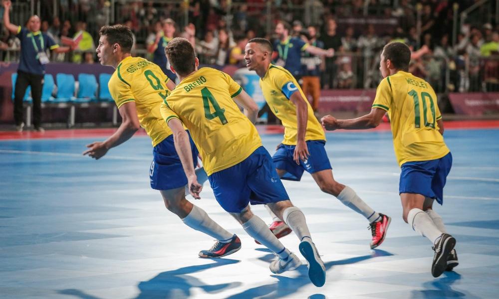 Seleção brasileira conquista o ouro olímpico no futsal em Buenos Aires fd2c4fa15deee