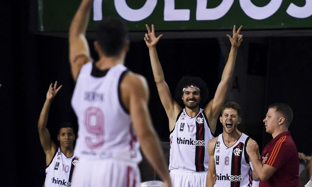 8e309581fa Pela primeira rodada do grupo D da Liga Sul-Americana de basquete masculino