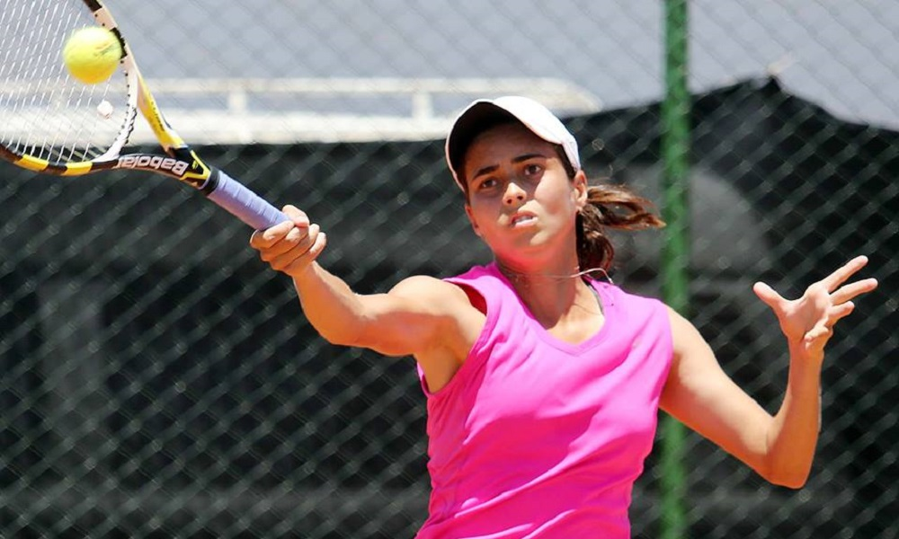 Marcela Guimarães Bueno vai às quartas nas duplas em Portugal
