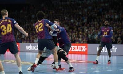 Thiagus Petrus em ação pelo Barcelona