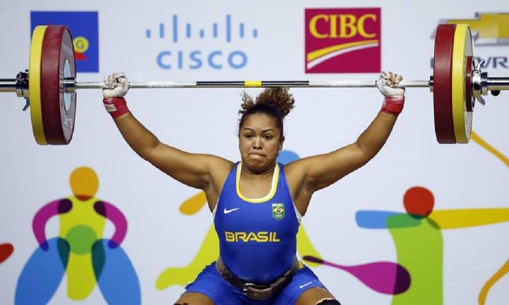 Jaqueline Ferreira na disputa do arranco e arremesso nos Jogos de Lima