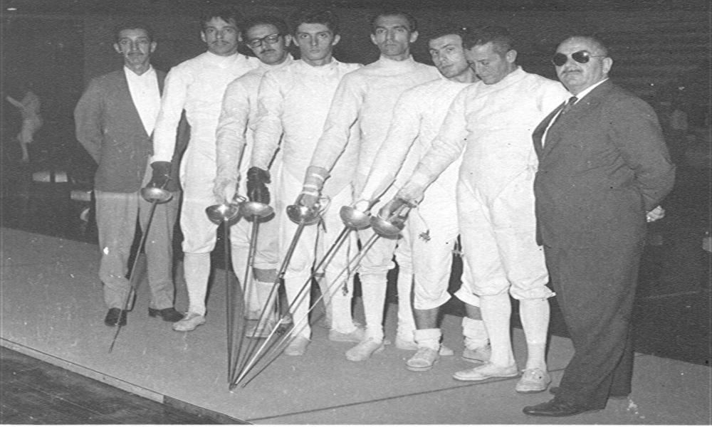 Espada por equipes masculina