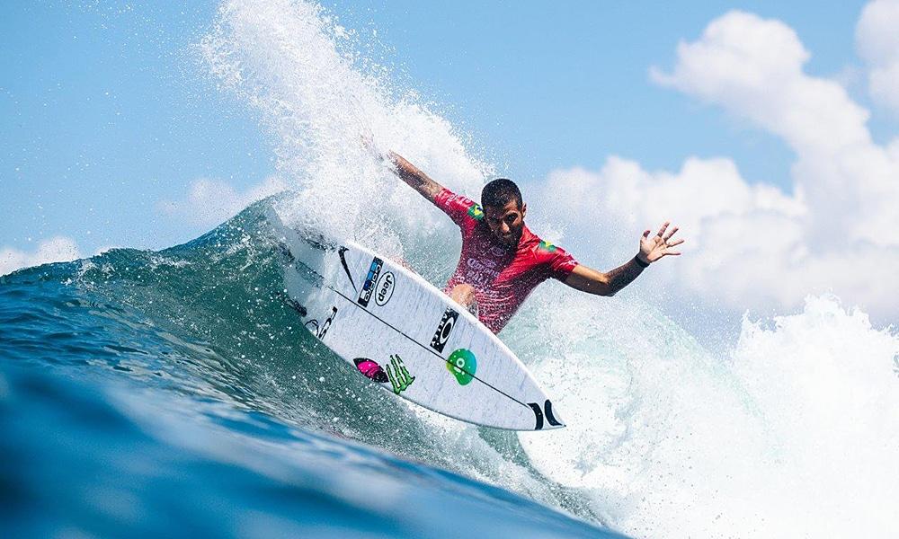 Felipe Toledo wsl surfe Bali