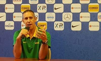 José Neto, técnico da seleção brasileira de basquete feminino