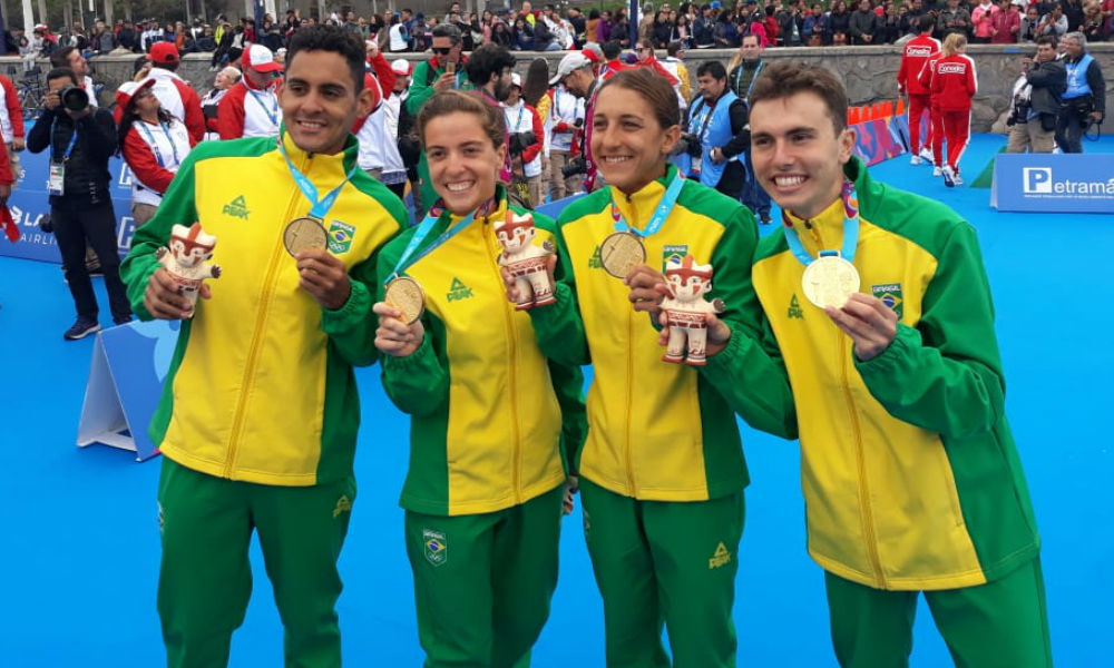 Vittoria Lopes, Luisa Baptista, Kauê Willy e Manoel Messias levam o ouro no revezamento misto do triatlo nos Jogos Pan-Americanos de Lima 2019