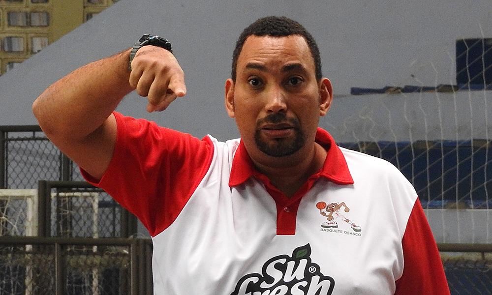 João Ricardo Lourenço técnico do Basquete Osasco