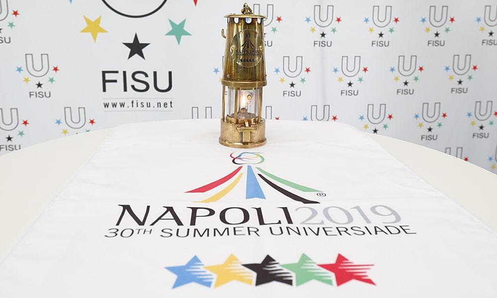 Tocha e logo da Universiade