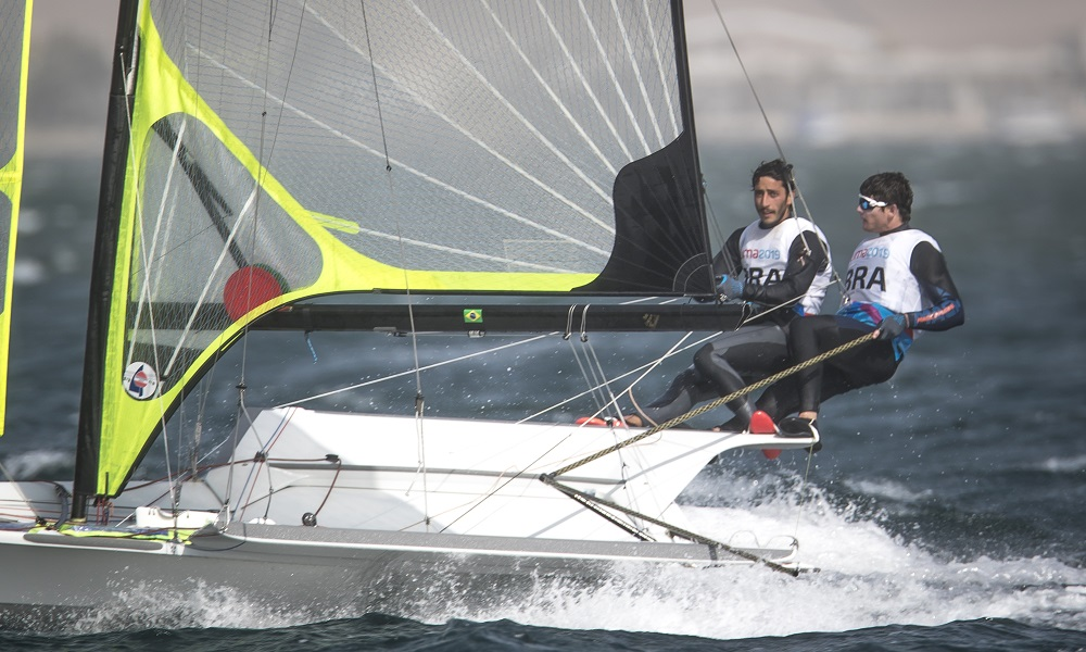 Marco Grael e Gabriel Borges, da classe 49er de vela