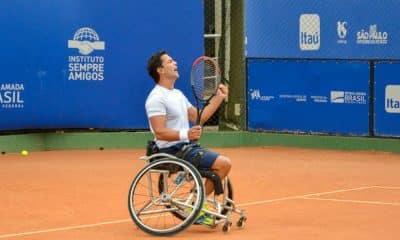 Gustavo Carneiro perde nas quartas em torneio na Grã-Bretanha