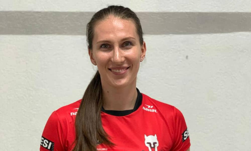 Rahimova renovou com o Bauru no mercado do vôlei feminino