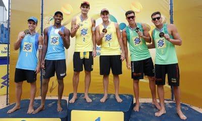Pódio de Vila Velha, no circuito brasileiro de vôlei de praia