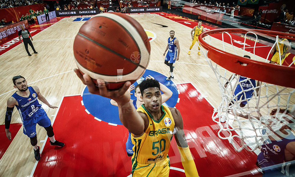 Bruno Caboclo na seleção brasileira de basquete masculino